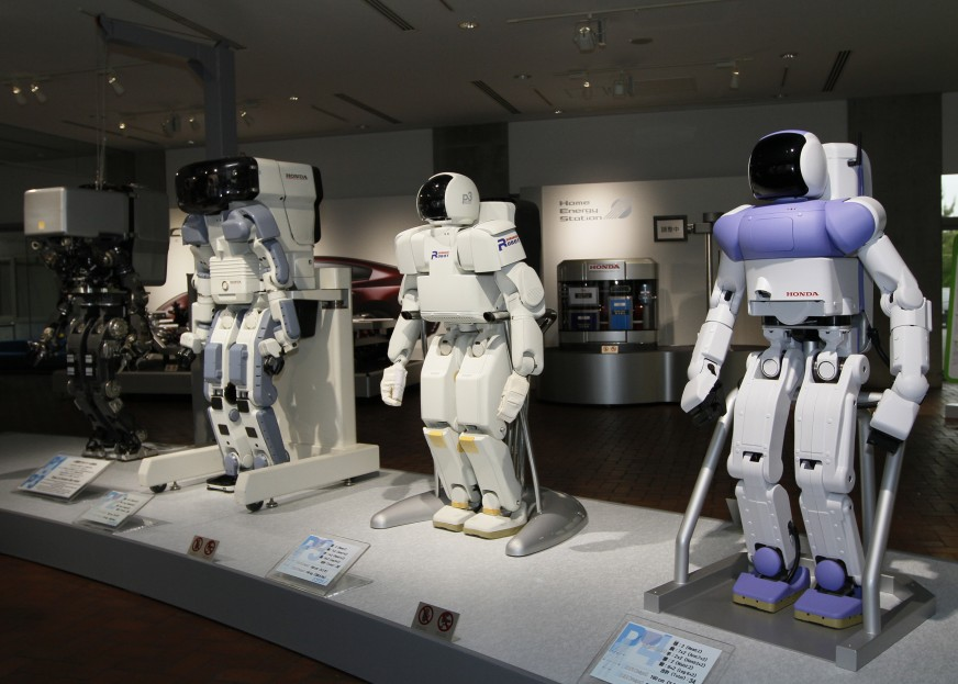 Honda_prototype_robots_Honda_Collection_Hall-960x623