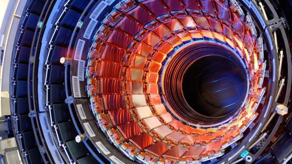 Large-Hadron-Collider-1280x720-960x623