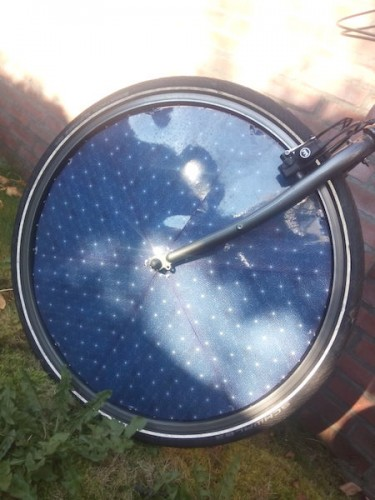 dutch-solar-electric-bike-front-wheel2-375x500